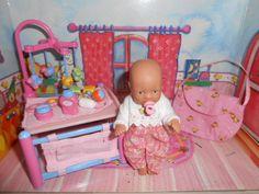 Baby Born miniworld * Baby Born mini mit Laufstall/Wickelauflage