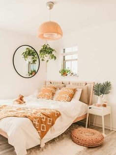 Room Ideas Bedroom, Home Bedroom, Bedroom Wall, Bedroom Inspo, Bedroom Decor Boho, Boho Teen Bedroom, Bohemian Dorm Rooms, Master Bedroom, Bedroom Romantic