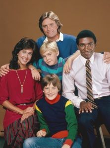 SILVER SPOONS debuts on NBC Erin Gray, Joel Higgins, Ricky Schroder, Leonard Lightfoot, Jason Bateman. The original cast of the Silver Spoons Saturday night sitcom. 80 Tv Shows, Old Shows, Ricky Schroder, Erin Gray, Jason Bateman, Tv Show Casting, Rick Y, Silver Spoons, Film Serie