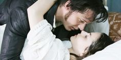 Just watched the 2009 Wuthering Heights. again with Tom Hardy. It's so much better to see his face than as Bane in Batman. Heathcliff is soooo messed up but so very good! Emily Bronte, Wuthering Heights Tom Hardy, Charlotte Riley, Charlotte Bronte, Movie Kisses, Tragic Love Stories, Bronte Sisters, Romance, Period Dramas