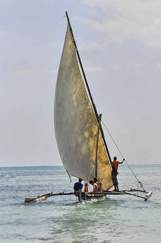Dhow, Zanzibar | by Rod Waddington