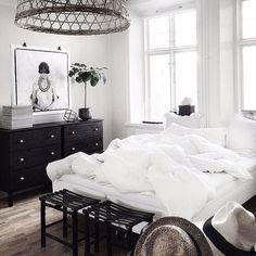 black, white & wood #home #homedecor #interiordesign