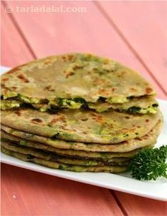 A yummy variation to paneer parathas. I have added methi to these parathas as it provides substantial amounts of vitamin a and iron. Relish these parathas with low fat curds, or dal. Veg Recipes, Indian Food Recipes, Vegetarian Recipes, Cooking Recipes, Appetiser Recipes, Indian Flat Bread, Indian Breads, Indian Dishes, Roti Recipe