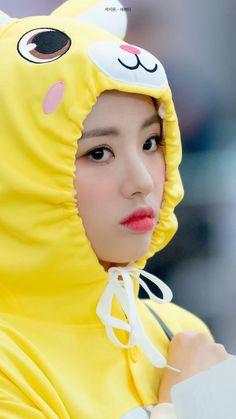 Kpop Girls, Girl Group, Diana, Snow White, Fandom, Entertainment, Female, Disney Princess, Disney Characters