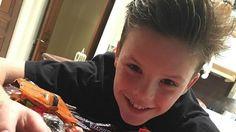 Mirá el video navideño éxito del hijo de David y Victoria Beckham                              Hace unas semanas, Cruz Beckham. el tercer hijo de la pareja de David y Victoria Beckham, se lanzó como cantante y en su... http://sientemendoza.com/2016/12/22/mira-el-video-navideno-exito-del-hijo-de-david-y-victoria-beckham/