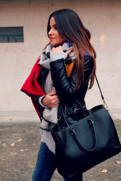 Big scarf, jeans and moccasins