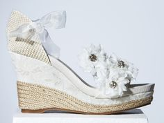 We love… la colección 2012 de zapatos para novias de YolanCris #novias #weddingshoes #bridalshoes