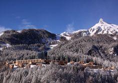 """Bergliebhaber und Pistenfreaks machen """"Urlaub beim König"""": Sie residieren im Gradonna Mountain Resort am Fuße des Großglockners - und relaxen im Leading Spa 2015."""