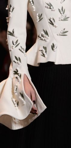 ideas embroidery clothes couture christian dior for 2019 Couture Mode, Dior Couture, Couture Fashion, Dior Fashion, Runway Fashion, Womens Fashion, Fashion Trends, Net Fashion, Trendy Fashion