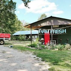Live music. Craft beer. Local artisans. Farm-fresh food. Need we say more? It's Farm Fresh Fair 2015, and it's happening right now! Located at The Farm at Rabon Creek! Saturday 10-5 and Sunday 11-4. by @maliasmark // yeahTHATgreenville