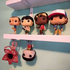 Love this display of the Stranger Things Funko Pop. Stranger Things Funny, Stranger Things Netflix, Stranger Things Funko Pop, Eleven Stranger Things, Geeks, Deco Gamer, Pop Figures, Pretty Little Liars, Favorite Tv Shows