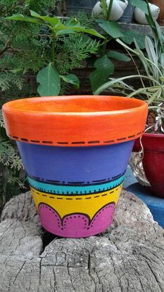 Maceta pintada a mano n°14. Mosaic Flower Pots, Clay Flower Pots, Mosaic Pots, Flower Pot Crafts, Clay Pot Crafts, Clay Pots, Pebble Mosaic, Mosaic Garden, Paint Garden Pots