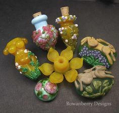 Beautiful glass beads - all handmade.  I want!!