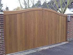 Wood cantilever sliding gate - front