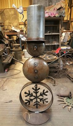 "See our internet site for more details on ""metal tree art scrap"". It is actually an excellent spot to learn more. Metal Yard Art, Metal Tree Wall Art, Scrap Metal Art, Welded Metal Art, Metal Projects, Welding Projects, Metal Crafts, Art Projects, Welding Crafts"