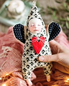 Knitted valentine's angel - OOAK handmade doll Ooak Dolls, Art Dolls, Textiles, Minimalist Nursery, Monochrome Nursery, Christmas Knitting, Crochet Christmas, Diy Christmas, Cute Little Baby
