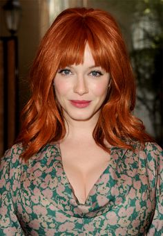christina hendricks (when i think of red hair, this is what i think of. but not sure if im ready for the upkeep) Beautiful Christina, Beautiful Red Hair, Gorgeous Redhead, Beautiful Women, Christina Hendricks, Cristina Hendrix, I Love Redheads, Grey Wig, Katie Holmes