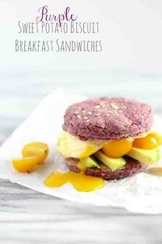 These Purple Sweet Potato Biscuit Breakfast Sandwiches are absolutely delicious, packed with veggies and whole grains, and are naturally dairy-free! Bagel Breakfast Sandwich, Biscuit Sandwich, Breakfast Biscuits, Sweet Potato Breakfast, Soup And Sandwich, Vegetarian Breakfast, Breakfast Recipes, Vegetarian Recipes, Healthy Recipes