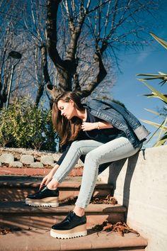 Sustainable Fashion Talk - Vintage times three. Stella McCartney Shoes #Elyse #DenimJacket #BoyfriendDenim #90s #minimalistfashion