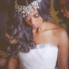 Gorgeous headpiece on this #munaluchibride. #Munaluchi #weddingthings #inlove…