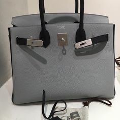 ee220af6e68 Hermès Bags, Leather Bag Design, Hermes Birkin, Designer Bags, Designer  Handbags,