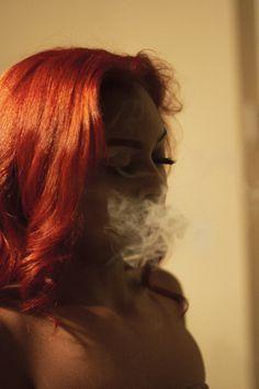Weed Girls, 420 Girls, Girl Smoking, Smoking Weed, Thug Girl, Smoke Photography, Gangster Girl, Foto Casual, Puff And Pass