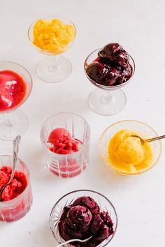 A quick and easy sorbet recipe that has no added sugar, dairy-free, and doesn't require an ice cream maker to make. Just take some frozen fruit and blend it up. Cold Desserts, Frozen Desserts, Healthy Dessert Recipes, Frozen Treats, Delicious Desserts, Fruit Sorbet, Mango Sorbet, Sugar Free Recipes, Sweet Recipes