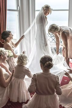 Creative Wedding Entourage Photo Ideas ❤ See more: http://www.weddingforward.com/wedding-entourage-photo-ideas/ #weddings