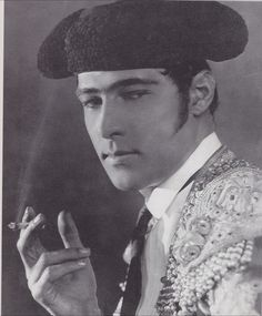 "original ""heart throb"" i remember my grandpa telling me about him 40  years ago...(Rudolph Valentino 1922)  Rudolph Valentino (May 6, 1895 – August 23, 1926) was an Italian actor, known simply as ""Valentino"" and also an early pop icon. A sex symbol of the 1920s, Valentino was known as the ""Latin Lover""."
