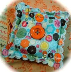 Stampin' Up!  Fabric Pin Cushion  Lisa Brown  Scallop Square  Sweet Stitches