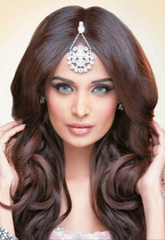 26 Ideas Hair 2018 Trends Indian For 2019 - Journal Haven - . - 26 Ideas Hair 2018 Trends Indian For 2019 - Journal Haven - - New Bridal Hairstyle, Indian Wedding Hairstyles, Bridal Hair And Makeup, Bollywood Hairstyles, 2015 Hairstyles, Pretty Hairstyles, Fashion Hairstyles, Curly Wedding Hair, Long Hair Wedding Styles