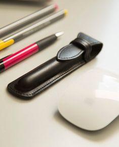 Leather fountain pen case. Black pen case. For by secondstudio