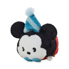 Celebrate the anniversary of Mickey Mouse becoming a star with this adorable mini ''Tsum Tsum'' plush featuring a party-ready Mickey. Disney Fan, Disney Parks, Walt Disney, Disney Stuff, Mickey Y Minnie, Mickey Party, Disney Plush, Disney Tsum Tsum, Mickey Mouse Imagenes