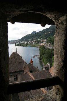 Chateau Du Chillon - Vaud, Switzerland Backpack Through Europe, Nice View, Cool Places To Visit, Switzerland, Adventure Travel, Places Ive Been, Fantasy Inspiration, Beautiful Places, Scenery
