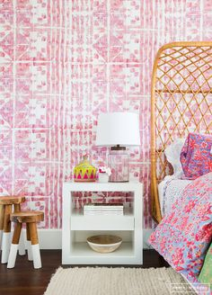 patterned wallpaper,