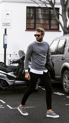 Mens Fashion Sneakers. Sneakers have been an element of the fashion world more than you may realise. Present day fashion sneakers bear little likeness to their early predecessors but their popularity continues to be undiminished.