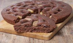 Leniwiec z rabarbarem i bananami Piece Of Cakes, Chocolate Cake, Catering, Food, Photo Art, Chicolate Cake, Chocolate Cobbler, Catering Business, Chocolate Cakes