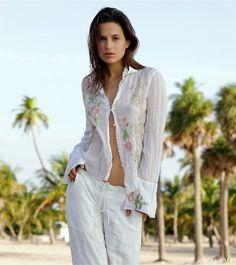 Miami white at www.theholywall.com - Sanna Millitz