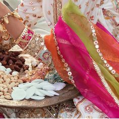 Mehendi Sangeet Bridal wedding Desi Wedding Dresses, Pakistani Wedding Outfits, Pakistani Dresses, Indian Dresses, Embroidery Suits Punjabi, Embroidery On Kurtis, Embroidery Designs, Hand Embroidery, Mehndi Outfit