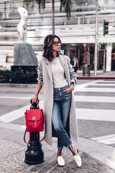 CASUAL CHIC WOMENS OUTFIT INSPIRATION | MORE Fashionable Outfit Inspiration & Ideas. Follow us for more fashion outfits & other fashion Inspiration | Vienné & Ventura
