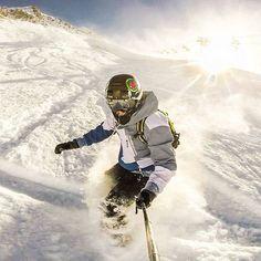Горная карусель и пух. #сноуборд #фрирайд #пух #снег #сочи #горкигород #зима #snowboard #freeride #snow #winter #mountains