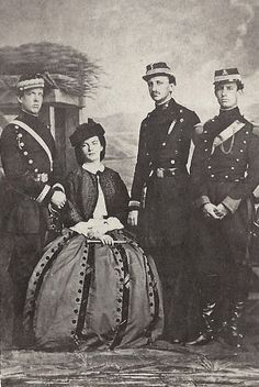 King Francesco II of the two Sicilies, Queen Maria Sofia and his brothers. Luigi, Count of Trani (left) and Alfonso, Count of Caserta (right). Photo 1860