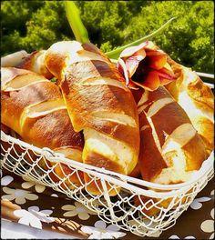 Bread Dough Recipe, Ciabatta, Bread Rolls, Hot Dog Buns, Bread Recipes, Croissant, Bakery, Cooking, Food