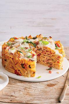 Baked Rigatoni with Zucchini and Mozzarella Best Zucchini Recipes, Baked Pasta Recipes, Vegetable Recipes, Recipe Pasta, Kitchen Recipes, Cooking Recipes, Baked Rigatoni, Pasta Bake, Pasta Dishes
