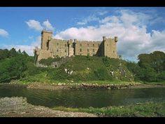 Places to see in ( Isle of Skye - UK ) #travelingram #instatraveling #travelingourplanet #travelingtheworld #lovetraveling #traveling #travel#worldtravel