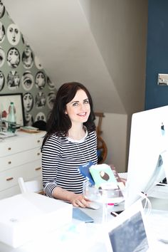 Lara Messer : what she wears to work! Open Wardrobe, Team Wear, Work Wear, What To Wear, Short Sleeve Dresses, Style Inspiration, Women, Fashion, Outfit Work