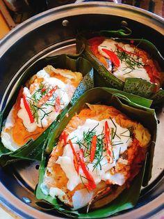 สูตร ห่อหมกปลาช่อน พร้อมวิธีทำโดย Pearry Pie - Wongnai Cooking Tasty Thai, Thai Dessert, Thai Cooking, Room Design Bedroom, Thai Recipes, Food Presentation, Fresh Rolls, Spices, Desserts
