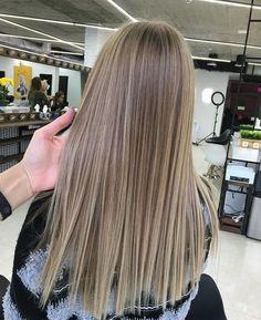 Grey Ombre Hair, Brown Hair Balayage, Brown Blonde Hair, Brunette Hair, Hair Highlights, Ashy Blonde, Blonde Hair Looks, Light Hair, Curled Hairstyles