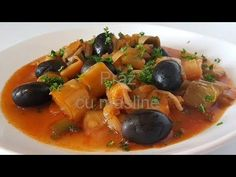 Thai Red Curry, Ethnic Recipes, Youtube, Food, Essen, Meals, Youtubers, Yemek, Youtube Movies