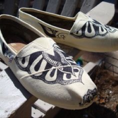Everyone loves TOMS...especially when theyre hand-painted with tattoo designs.